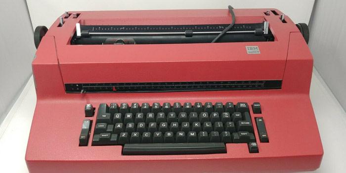 IBM Selectric - Classic Typewriter