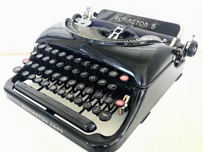 Remington 5 Signature Typewriter
