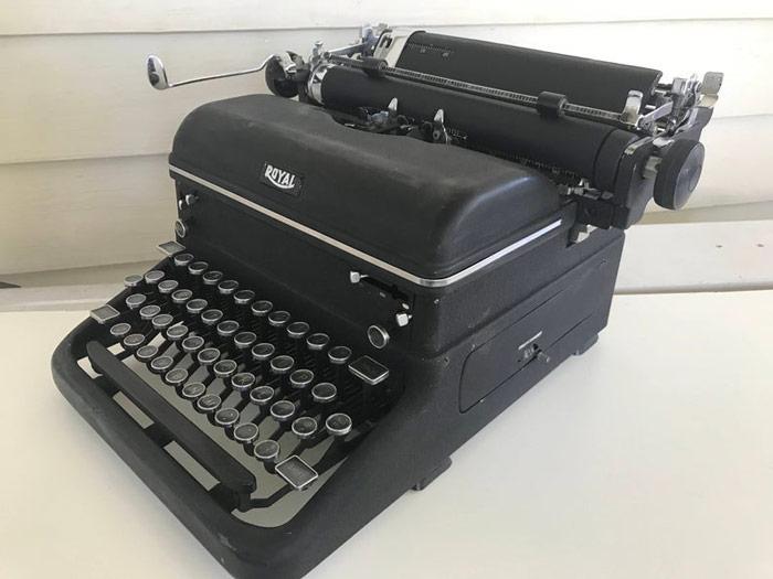 Royal KMM Classic Typewriter